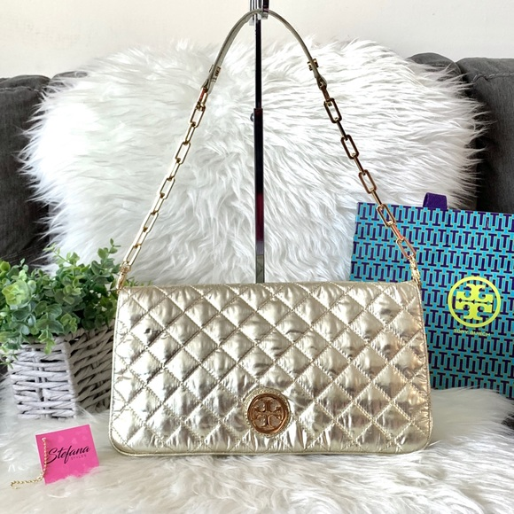Tory Burch Handbags - Tory Burch Quilted Nylon & Leather Reva Clutch